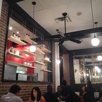 Снимок сделан в MamaDellas N.Y. City Pizzeria пользователем Brenton D. 1/11/2014