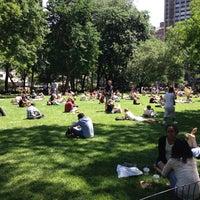 รูปภาพถ่ายที่ Madison Square Park โดย Ben Carlos เมื่อ 6/5/2013