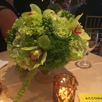 Foto scattata a Weill Terrace and Terrace Room da Carolyn il 9/5/2018