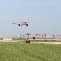 Foto diambil di Kansas City International Airport (MCI) oleh Joe M. pada 8/14/2013