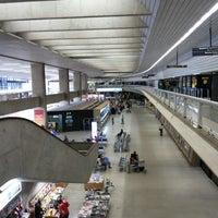 Foto scattata a Aeroporto Internacional de Confins / Tancredo Neves (CNF) da Renilson S. il 9/29/2013