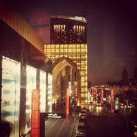 Foto tomada en Galeries Lafayette por nyl r. el 12/22/2012