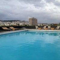 รูปภาพถ่ายที่ President Hotel Athens โดย Signe V. เมื่อ 11/21/2012