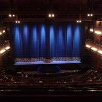 Foto tirada no(a) Teatro Alfa por Tatiane d. em 12/18/2011