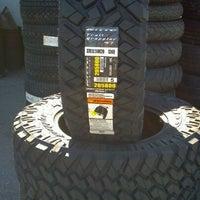 10/13/2011에 Ron P.님이 Ron's Discount Tires & Auto Repair에서 찍은 사진