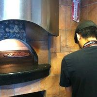 Foto tomada en Zeffiro New York Pizza por The L. el 4/11/2012