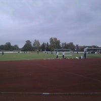 รูปภาพถ่ายที่ TSG Giengen 1861 e. V. Stadion โดย Stefan B. เมื่อ 10/25/2011