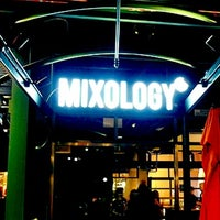 Photo prise au Mixology 101 par Emmanuel L. le7/11/2012