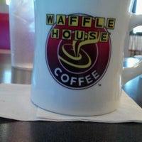 3/16/2012에 Frankie F.님이 Waffle House에서 찍은 사진