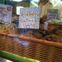 Foto diambil di Ladybird Bakery oleh Sara D. pada 11/22/2011