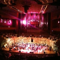Photo prise au Morton H. Meyerson Symphony Center par Marya S. le10/16/2011