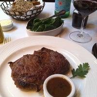 Снимок сделан в The Palm Restaurant пользователем Marjorie C. 7/25/2011