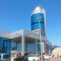 Das Foto wurde bei Özdilek von Honore Y. am 9/10/2012 aufgenommen