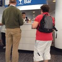 Foto diambil di Aer Lingus Lounge oleh Jeffrey S. pada 5/23/2012