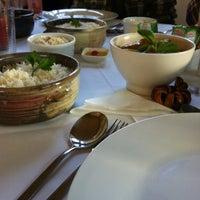 รูปภาพถ่ายที่ Ronco do Bugio Pouso e Gastronomia โดย Dani R. เมื่อ 8/4/2012