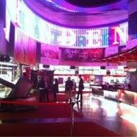 Foto tomada en Brenden Theaters por Irina N. el 4/11/2011