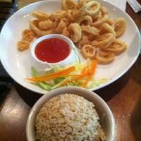 Foto tirada no(a) More Thai por Brent em 7/14/2012