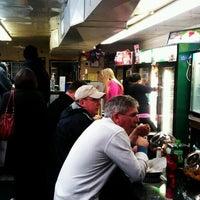 Das Foto wurde bei Dalessandro's Steaks and Hoagies von Adam Z. am 1/21/2012 aufgenommen