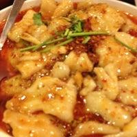 3/31/2012 tarihinde Air Turnziyaretçi tarafından Szechuan Gourmet'de çekilen fotoğraf