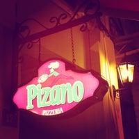 10/19/2011 tarihinde Gürol D.ziyaretçi tarafından Pizano Pizzeria'de çekilen fotoğraf