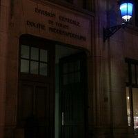 Foto scattata a Centraal Commissariaat Politie Brussel / Commissariat Central de Police de Bruxelles da Fab .. il 8/12/2011