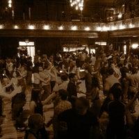 Foto tirada no(a) Century Ballroom por SouthernBeets em 6/16/2011