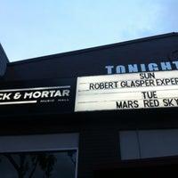 Снимок сделан в Brick & Mortar Music Hall пользователем Raul M. 3/19/2012