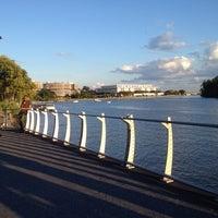 Foto tomada en Georgetown Waterfront Park por Andrea E. el 9/9/2012