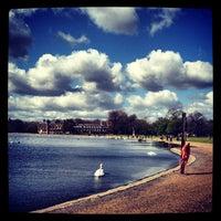 Das Foto wurde bei Kensington Gardens von Olya K. am 4/15/2012 aufgenommen