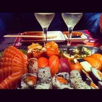 Foto tirada no(a) Sashiburi Sushi House por Leninha R. em 6/29/2012