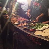 Foto tirada no(a) Tacuqui Tacos por Ari G. em 8/11/2012