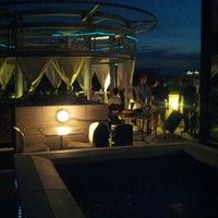 6/24/2012에 Trevor M.님이 Beacon Sky Bar에서 찍은 사진