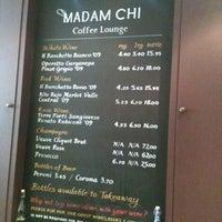 Foto tomada en Madam Chi Coffee Lounge por Ade A. el 5/11/2012