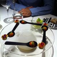 Foto tomada en ABaC Restaurant & Hotel por Misra M. el 4/21/2012