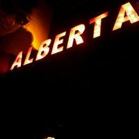Foto tomada en Alberta #3 por Tchelo D. el 8/14/2012