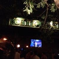 Das Foto wurde bei Celtic Gardens von Dorothy L. am 5/20/2012 aufgenommen