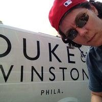 8/31/2012 tarihinde Jen G.ziyaretçi tarafından Duke & Winston Flagship Store'de çekilen fotoğraf