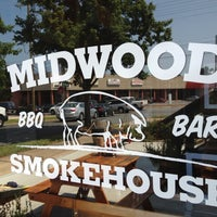 Foto tirada no(a) Midwood Smokehouse por Mark F. em 6/28/2012