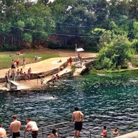 Photo prise au Barton Springs Pool par Athena A. le7/17/2013
