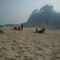 Foto tirada no(a) Praia do Pepino por Eduardo Abreu em 3/8/2013