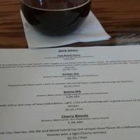 รูปภาพถ่ายที่ Falling Down Beer Company โดย Kathy J. เมื่อ 3/29/2013
