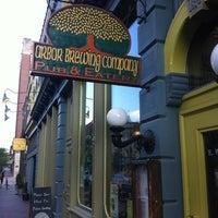 5/19/2013 tarihinde Pablo C.ziyaretçi tarafından Arbor Brewing Company'de çekilen fotoğraf
