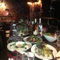 Foto diambil di Life Pub oleh Olga pada 3/22/2013