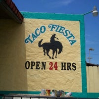 รูปภาพถ่ายที่ Taco Fiesta โดย Robyn S. เมื่อ 6/9/2013