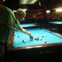 Foto diambil di Two Stooges Sports Bar & Grill oleh Nick O. pada 12/31/2012
