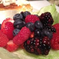 9/26/2012 tarihinde AlmostVeggies.comziyaretçi tarafından Cafe Pacific'de çekilen fotoğraf