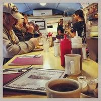 Photo prise au The Little Depot Diner par Amy G. le10/13/2013
