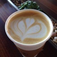 รูปภาพถ่ายที่ Bird Rock Coffee Roasters โดย Megan เมื่อ 3/8/2015