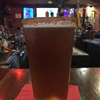 Foto tomada en Burning Bridge Tavern por Dianne E. el 8/26/2015