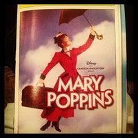 Foto tirada no(a) Disney's MARY POPPINS at the New Amsterdam Theatre por Meghan G. em 2/23/2013